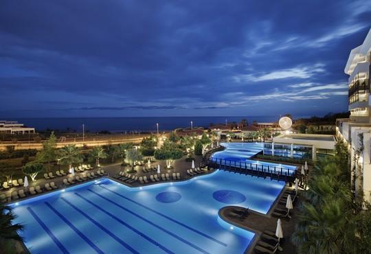 Alba Royal Hotel 5* - снимка - 1