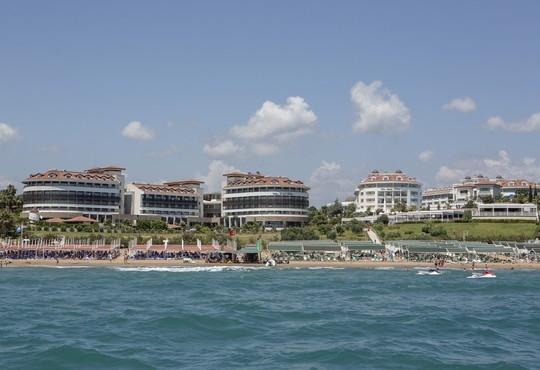 Alba Royal Hotel 5* - снимка - 3