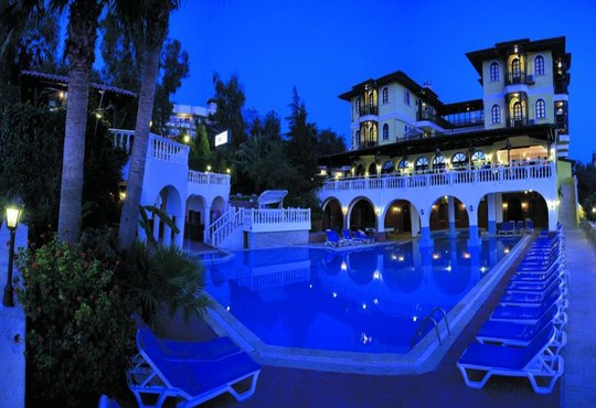 Altinsaray Hotel 3* - снимка - 1