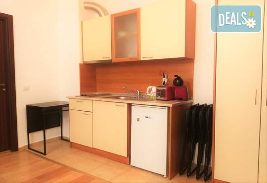 Апартамент 406, Хотел Флора 4* - снимка - 9