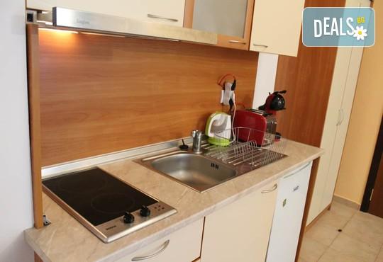 Апартамент 406, Хотел Флора 4* - снимка - 14