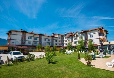 Релакс и СПА в хотел Вита Спрингс 3* в с. Баня до Банско! Нощувка със закуска или закуска и вечеря, ползване на минерален басейн, джакузи и халат - Снимка