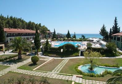 Великден в Simantro Beach Hotel 5*, Халкидики! 3 нощувки на база HB или AI с включени Великденски обяд и празнична програма - Снимка