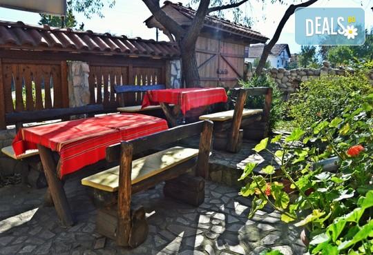 Хотел Крайпътен Рай 2* - снимка - 8