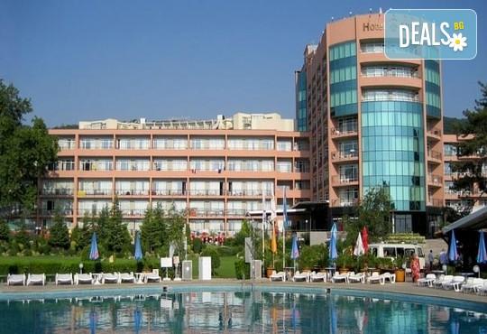 Хотел Лилия 4* - снимка - 1