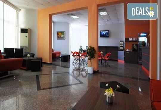 Хотел Аврора 3* - снимка - 8