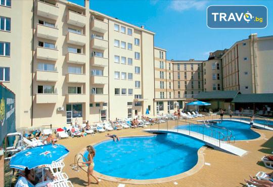 Хотел Аврора 3* - снимка - 2
