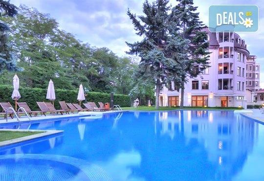 Хотел Кристел 3* - снимка - 1