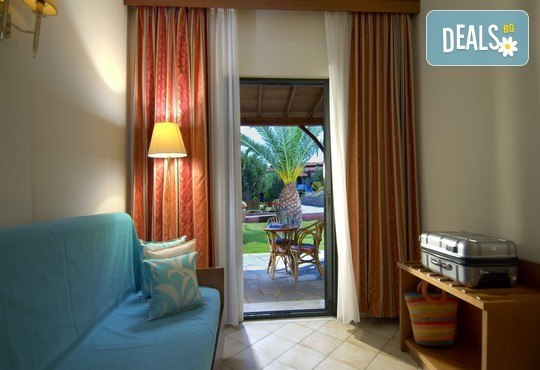 Blue Dolphin Hotel 4* - снимка - 12
