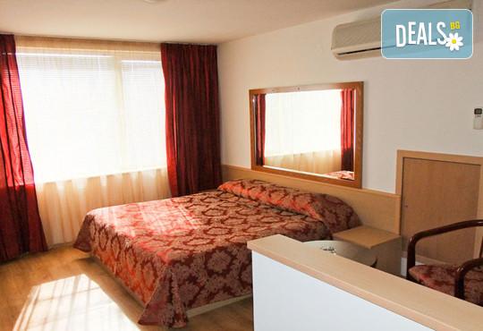 Хотел Виктория 3* - снимка - 12