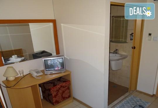 Хотел Виктория 3* - снимка - 18