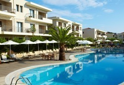 Лято 2016 в Renaissance Hanioti Resort & Spa, Халкидики на база HB