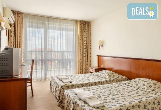 Хотел Йо 3* - снимка - 3