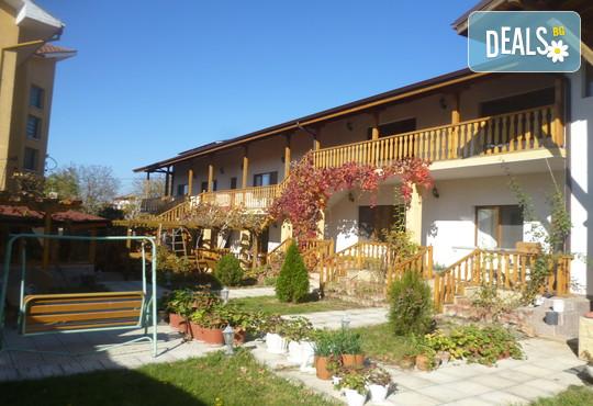 Къща за гости Наш дом - снимка - 9