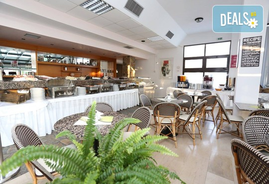 Dionysos Hotel & Studios 3* - снимка - 8