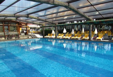 Релаксирайте в СПА хотел Елбрус 3*, Велинград! Нощувкa със закуска и вечеря, ползване на минерални басейни, джакузи, сауна и парна баня, безплатно настаняване за дете до 3.99г.! - Снимка