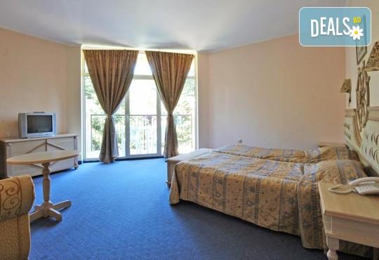 Хотел Роял Парк 4* - снимка - 12