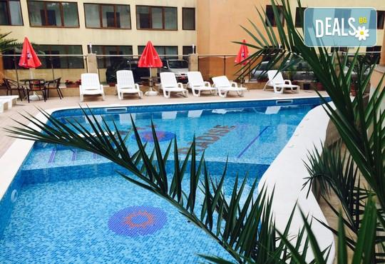 Хотел Sunny Paradise 3* - снимка - 9