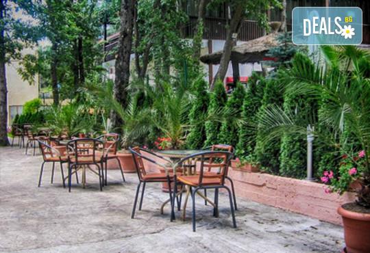 Хотел Sunny Paradise 3* - снимка - 17
