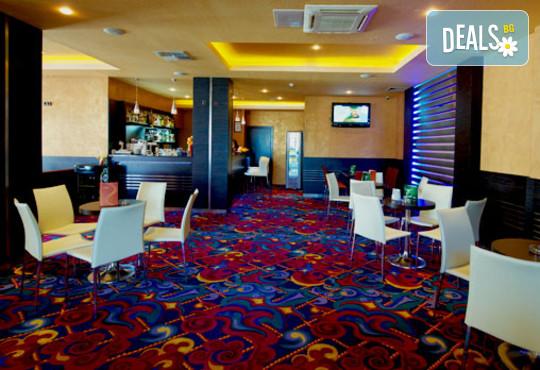 Хотел Парадайс 3* - снимка - 11