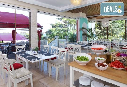 Хотел Андалусия Бийч 4* - снимка - 19