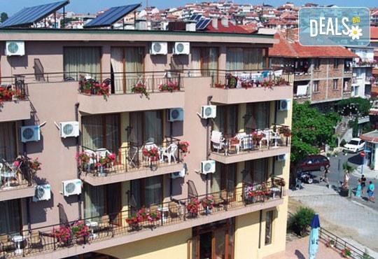 Семеен хотел Кандрови 3* - снимка - 2