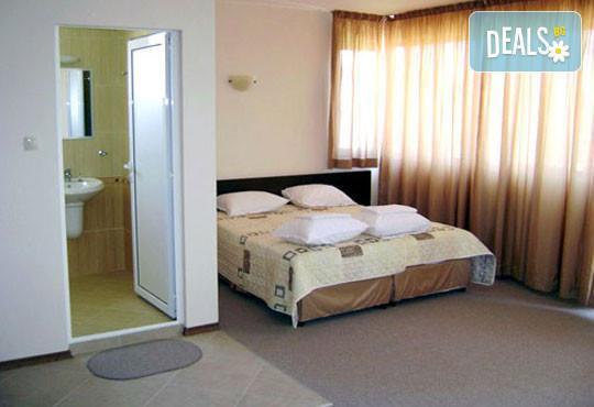 Семеен хотел Кандрови 3* - снимка - 5
