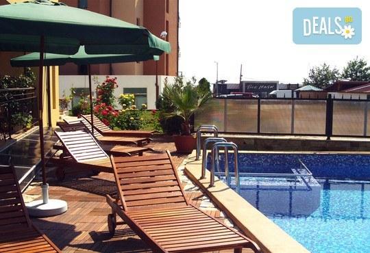 Семеен хотел Кандрови 3* - снимка - 7
