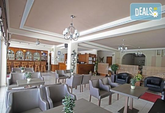 Sarantis Hotel 3* - снимка - 8