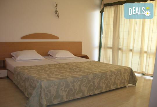 Хотел Амфибия Бийч 3* - снимка - 5