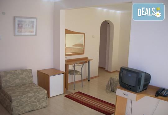 Хотел Амфибия Бийч 3* - снимка - 9