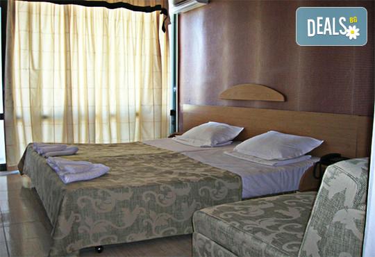 Хотел Амфибия Бийч 3* - снимка - 8