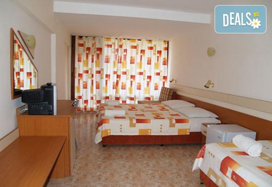 Хотел Амфибия Бийч 3* - снимка - 6