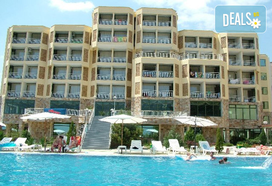 Хотел Амфибия Бийч 3* - снимка - 2