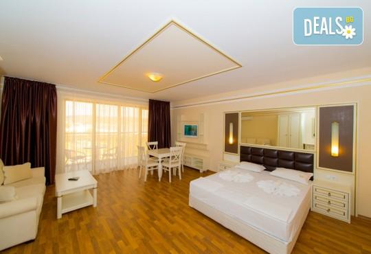 Хотел Голдън Ина 3* - снимка - 6