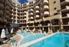 Цяло лято на море в Хотел Голдън Ина, Слънчев Бряг! Нощувка на база All Inclusive, ползване на открит басейн с чадъри и шезлонги, безплатно настаняване за дете до 5.99 г.  - thumb 3