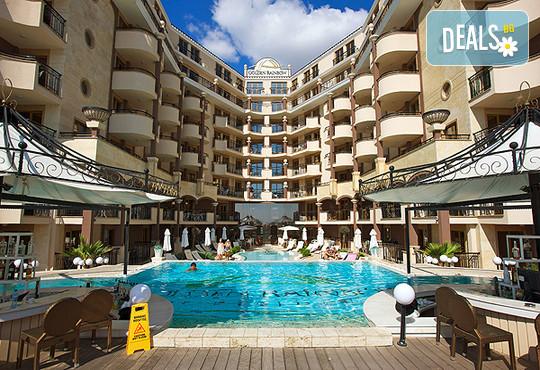 Хотел Голдън Ина 3* - снимка - 2