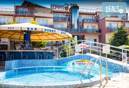 Хотел Съни 3* - снимка - 1