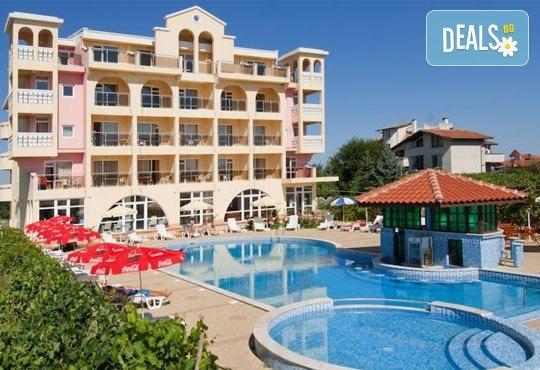 Хотел Стефанов 2* - снимка - 1