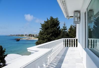 Цяло лято в Семеен хотел Хавай 2*, Несебър! Нощувка на брега на морето за двама, трима или четирима, безплатно за дете до 2.99г.!  - Снимка