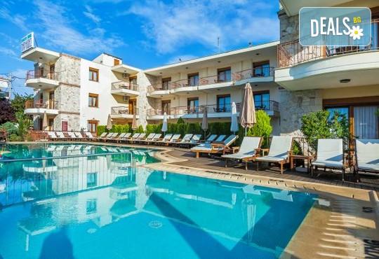 Nereides Hotel 2* - снимка - 2