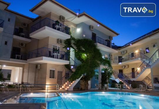Stratos Hotel 3* - снимка - 1