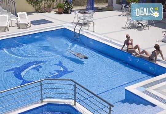 Stratos Hotel 3* - снимка - 9