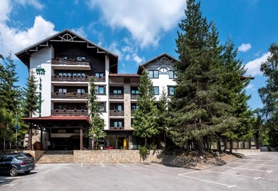Зимна почивка в хотел Лион 4* в Боровец! 1 нощувка със закуска и вечеря, ползване на вътрешен басейн, сауна, парна баня и релакс зона, трансфер до лифта - Снимка