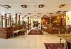 Нова година в хотел Мура 3*, Боровец! 3 нощувки със закуски, 2 стандартни вечери и Новогодишна празнична вечеря с възможност за неограничена консумация на български алкохол, безплатно за дете до 2,99г.! - thumb 5