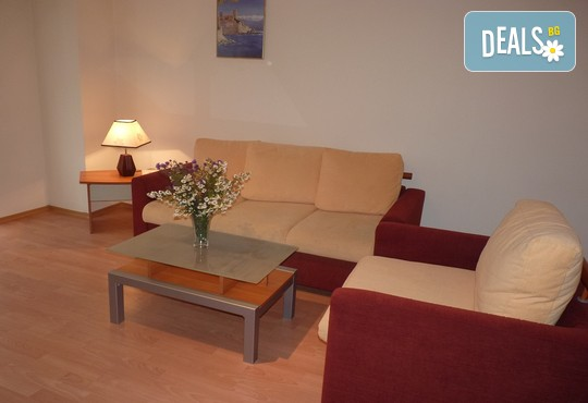 Апартаменти за гости Игъл Рок 2* - снимка - 13