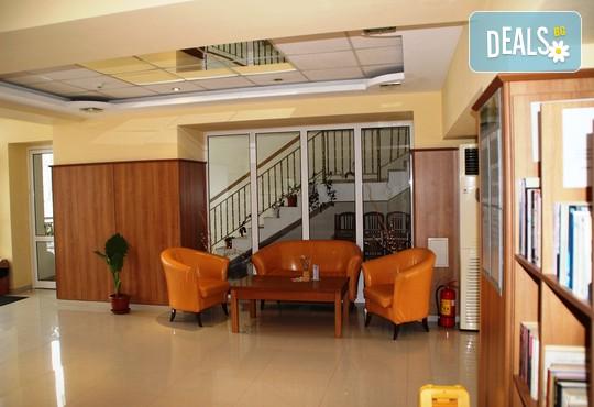 Апартаменти за гости Игъл Рок 2* - снимка - 16