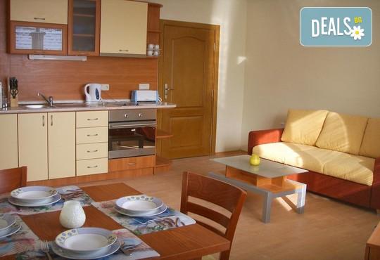Апартаменти за гости Игъл Рок 2* - снимка - 12