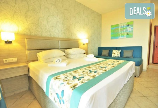 Grand Beach Hotel 4* - снимка - 12