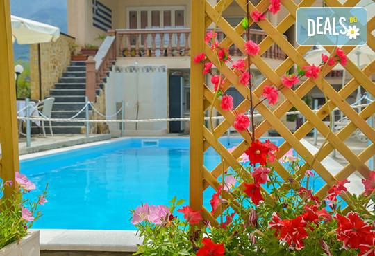 Ellas Hotel 2* - снимка - 2